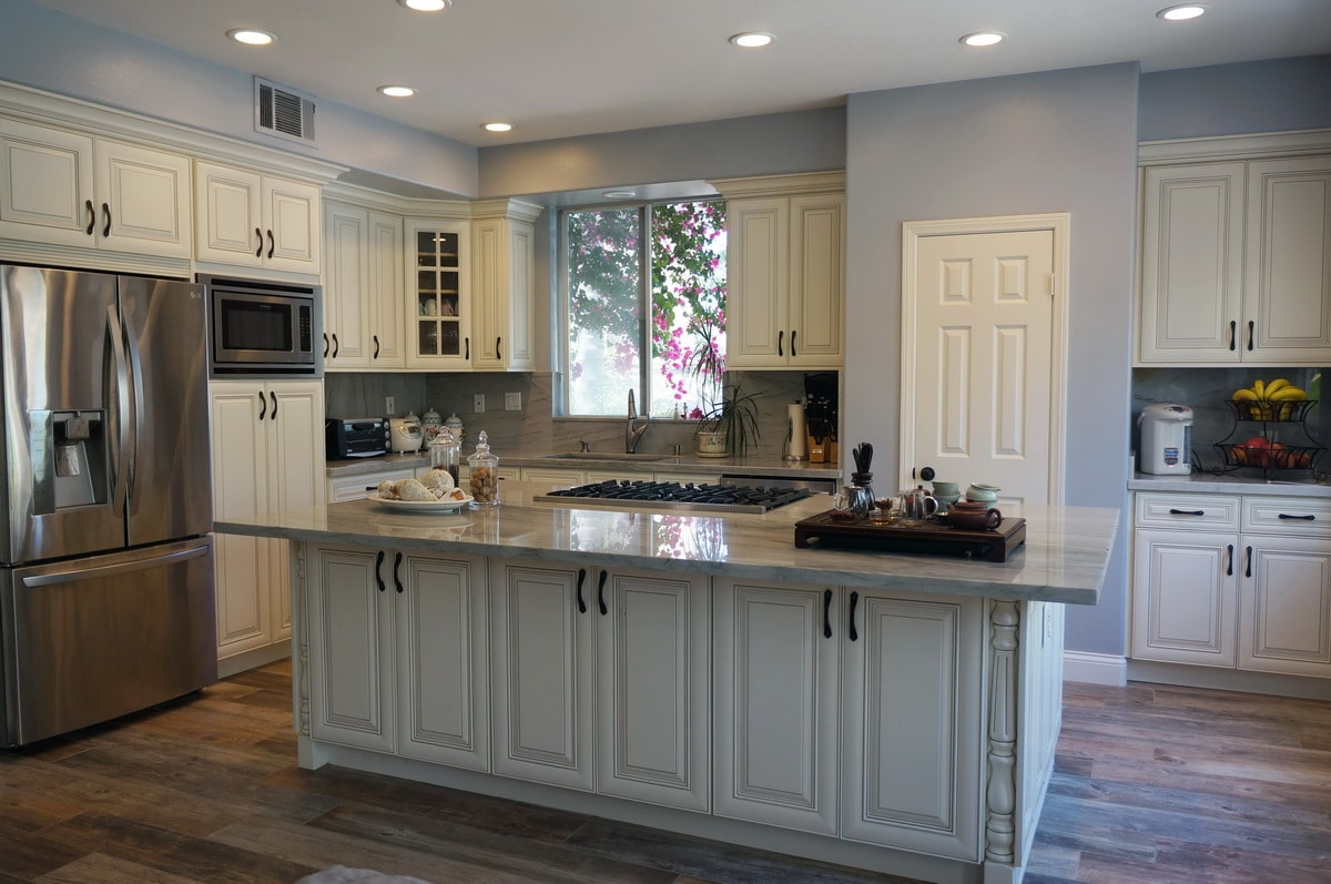 Dakota White Rta Kitchen Cabinets: Antique White RTA Cabinets