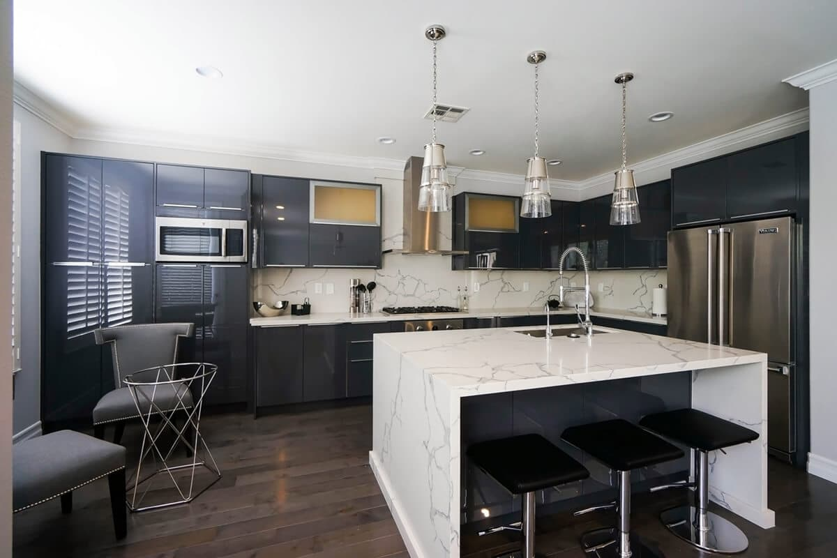 CCG-Charcoal-Gloss-Sample-Kitchen-P1