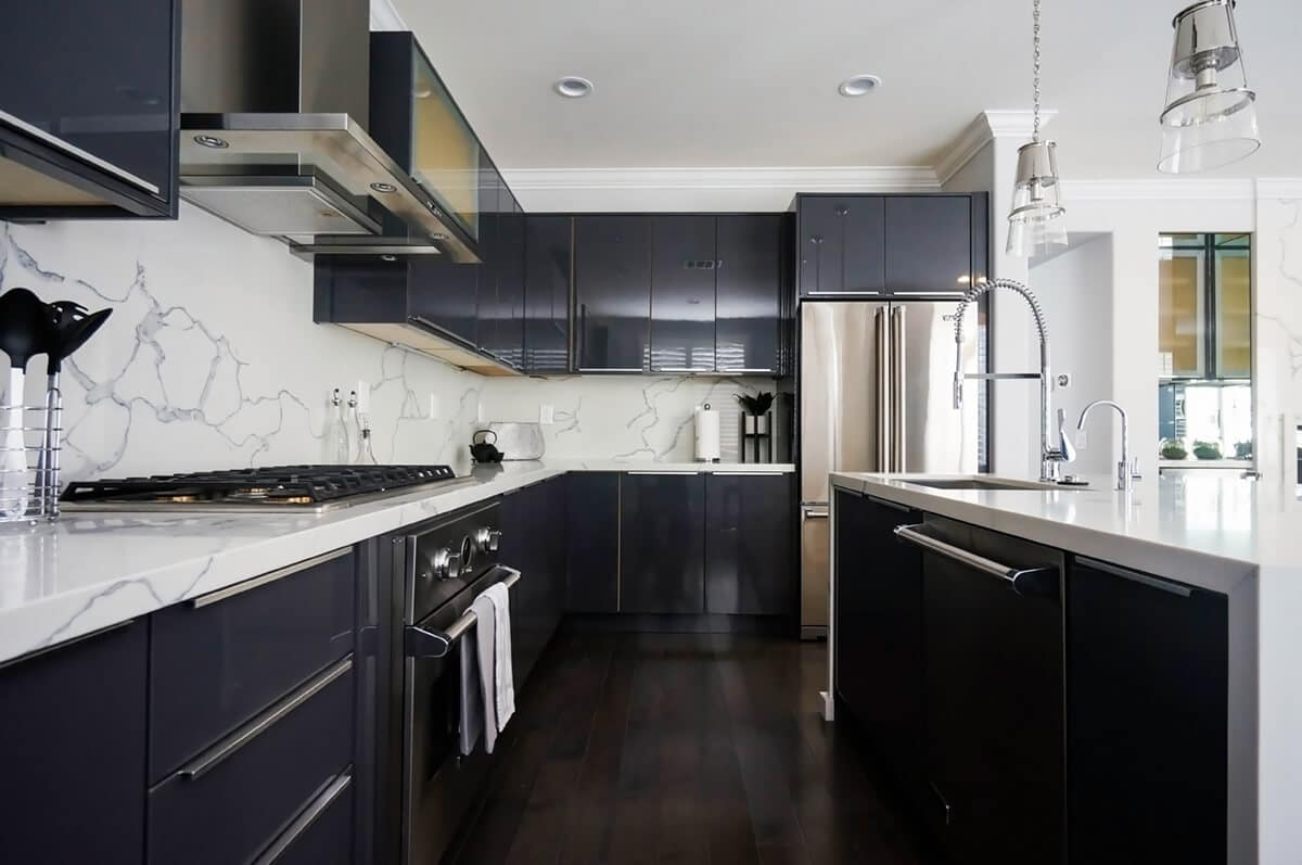 CCG-Charcoal-Gloss-Sample-Kitchen-P2