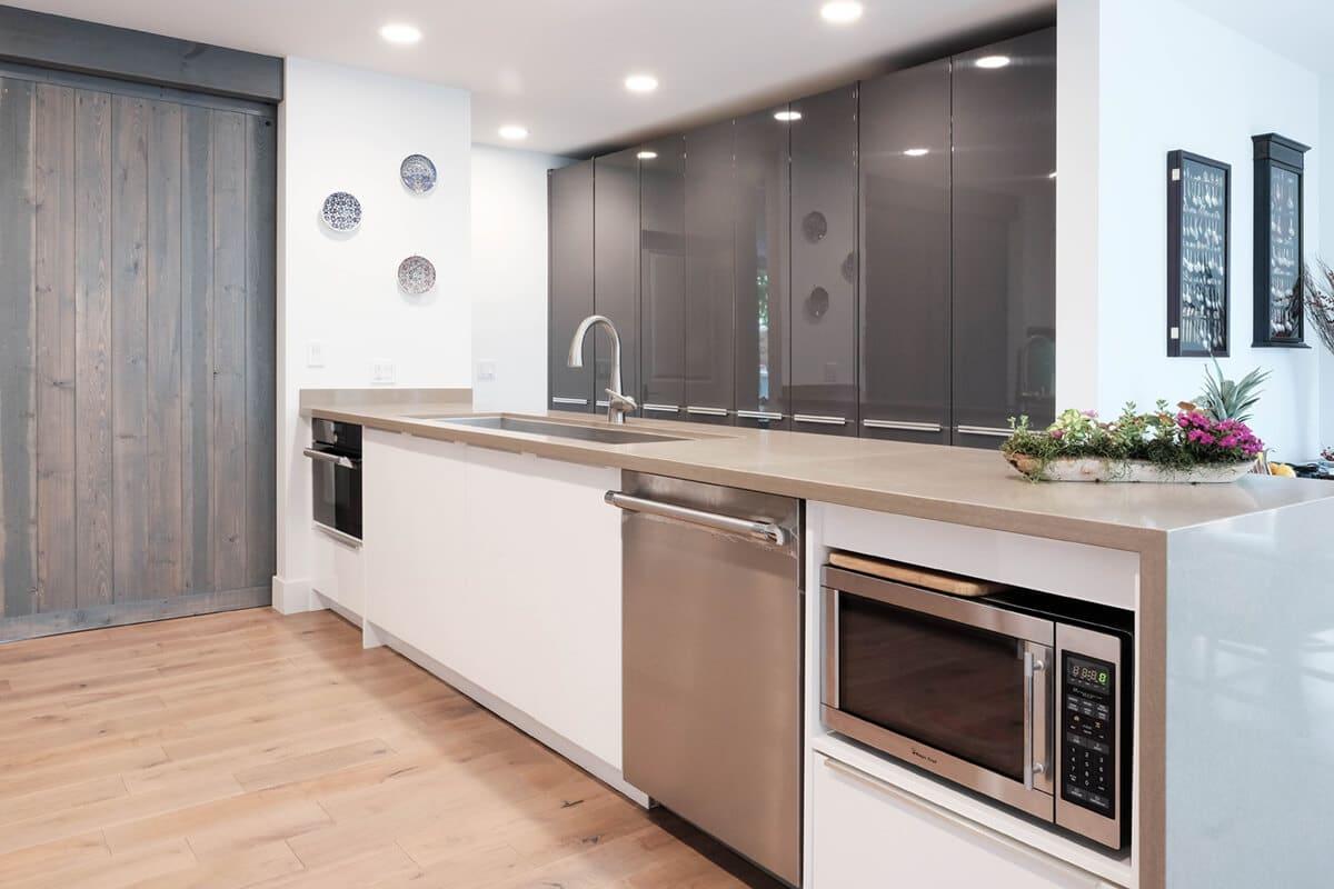 CCG-Charcoal-Gloss-Sample-Kitchen-P7