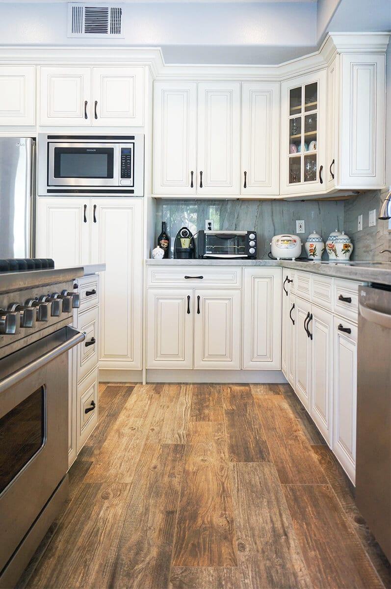 CDW-Dove-White-Glaze-Kitchen-P9