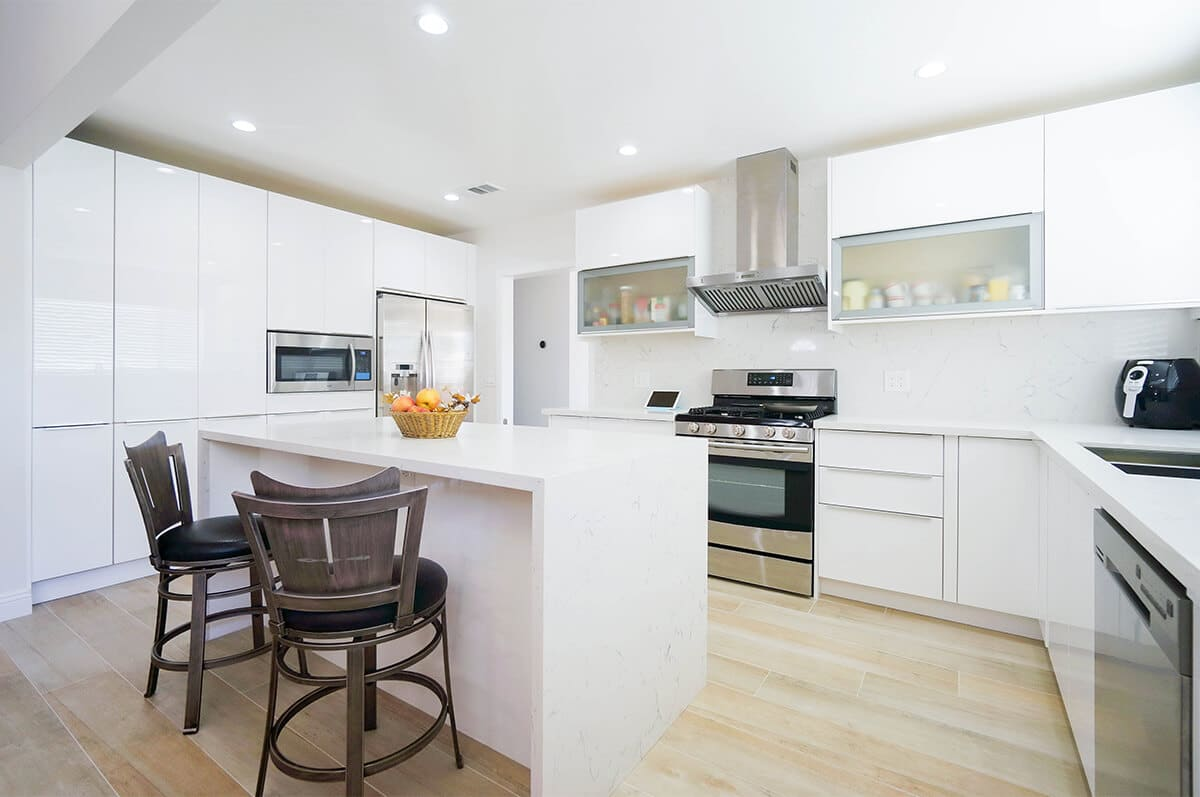 CMS-White-Gloss-Kitchen-P5-1