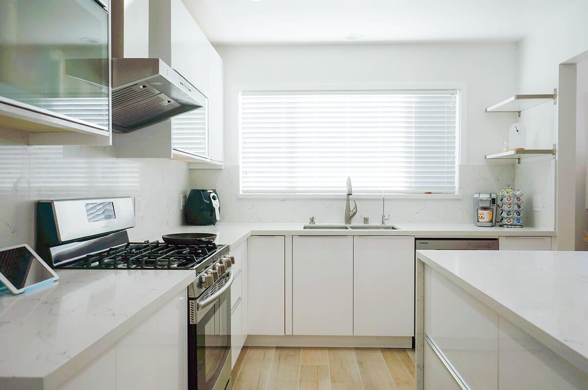 CMS-White-Gloss-Kitchen-P6-1