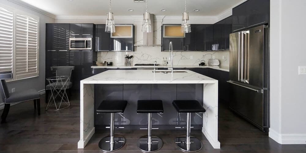 Charcoal-Gloss-Kitchen-with-Island