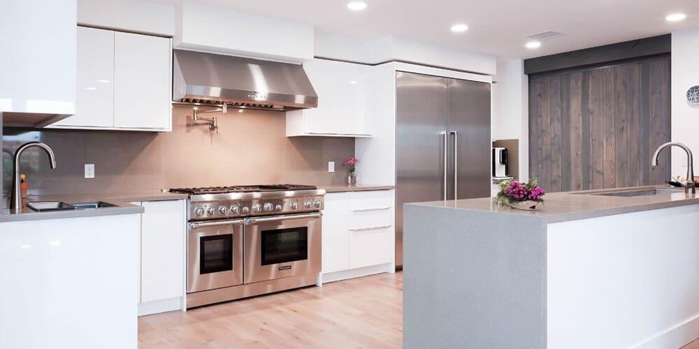 White-Gloss-Kitchen-with-Island