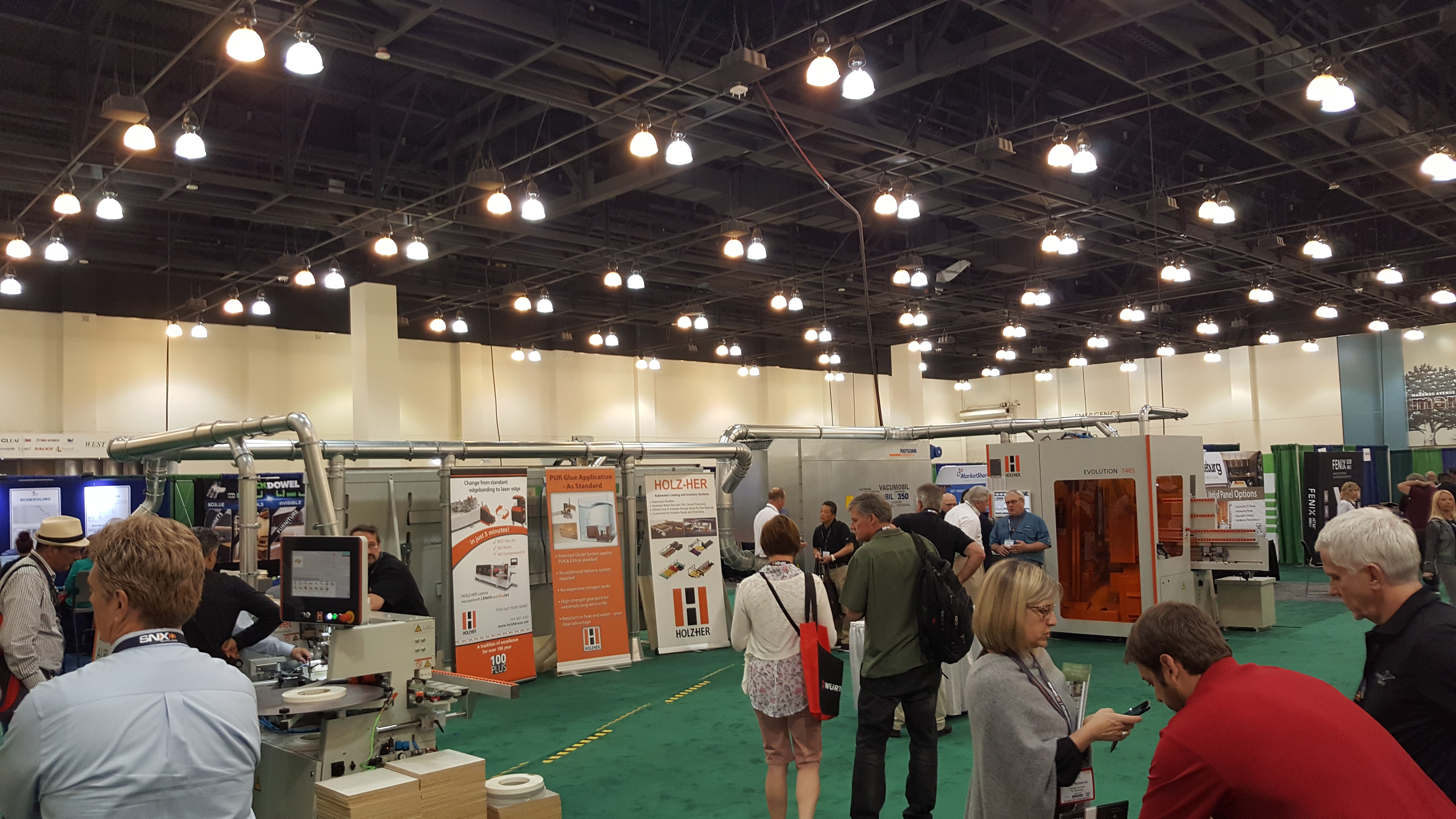 cabinets-and-closets-expo-hall-1