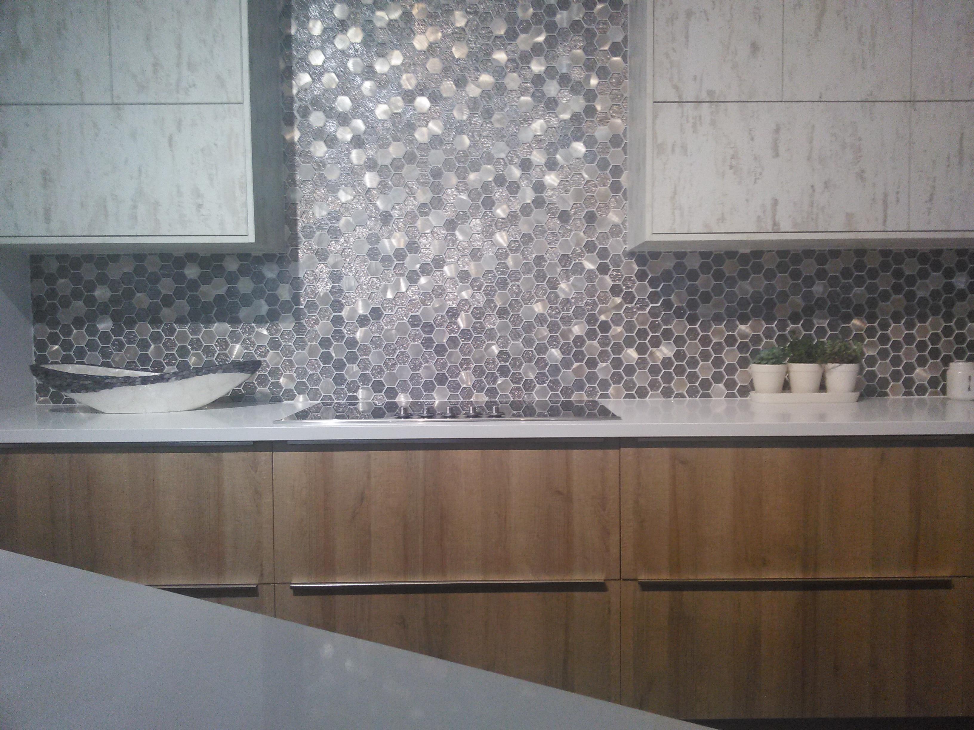 Kitchen Backsplash Ideas for Flat European Cabinets ...