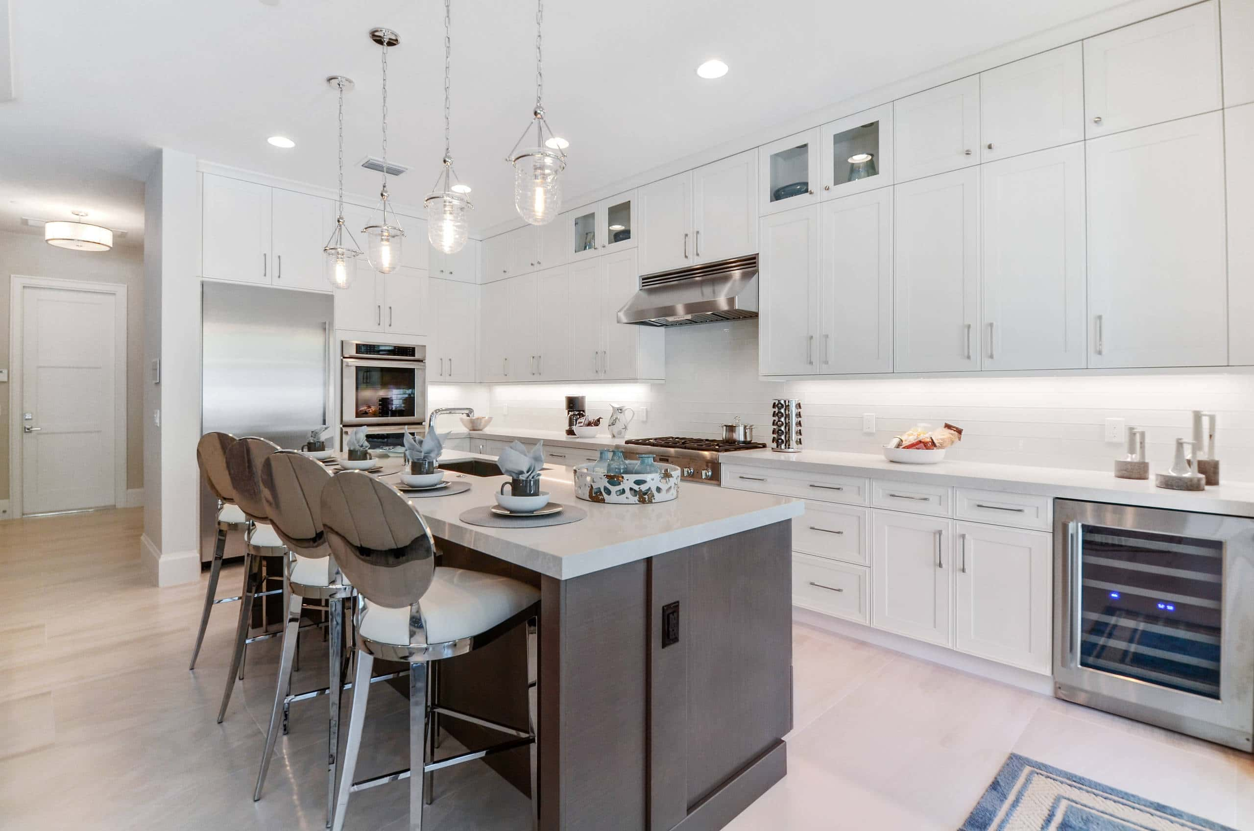 white-shaker-rta-kitchen-cabinets-with-kitchen-island
