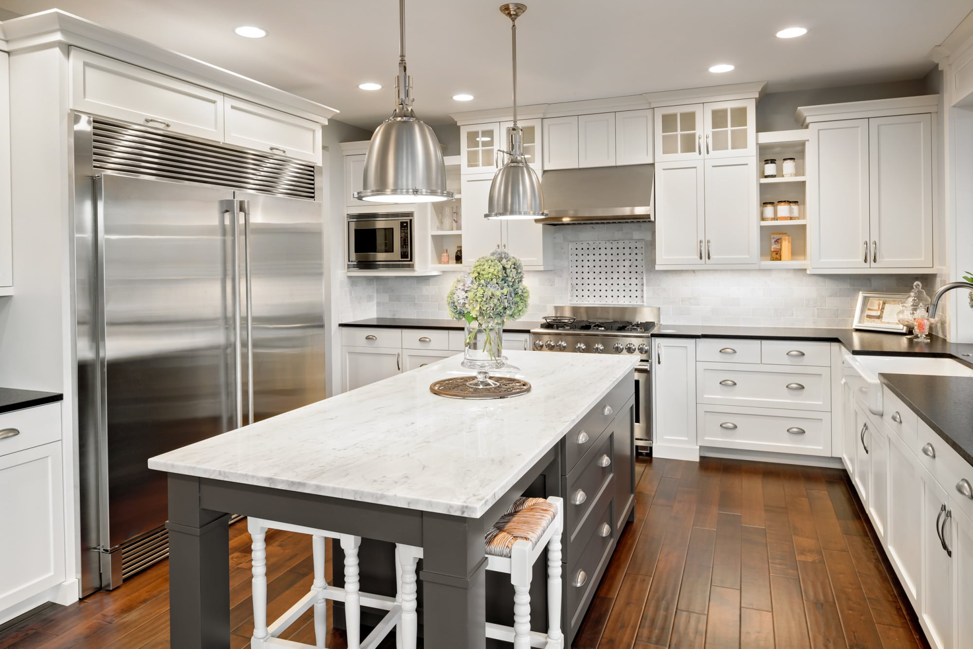 12 Signs You Need to Upgrade Your Kitchen Cabinets